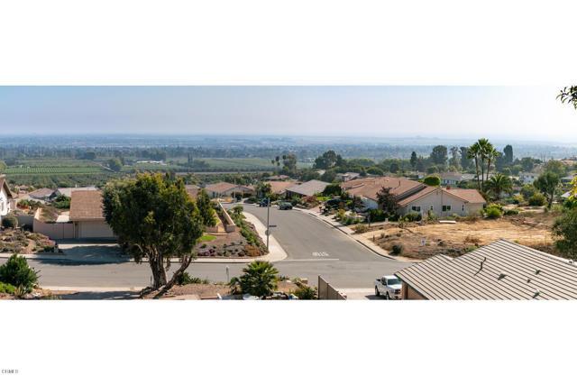 894 High Point Drive, Ventura CA: http://media.crmls.org/mediaz/C070CEA3-D24D-4D4F-99F5-6FBEB407F748.jpg
