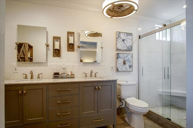 610 Blossom Glen Court, Gilroy CA: http://media.crmls.org/mediaz/C078152C-811C-4996-8F55-CA597FB02F0F.jpg
