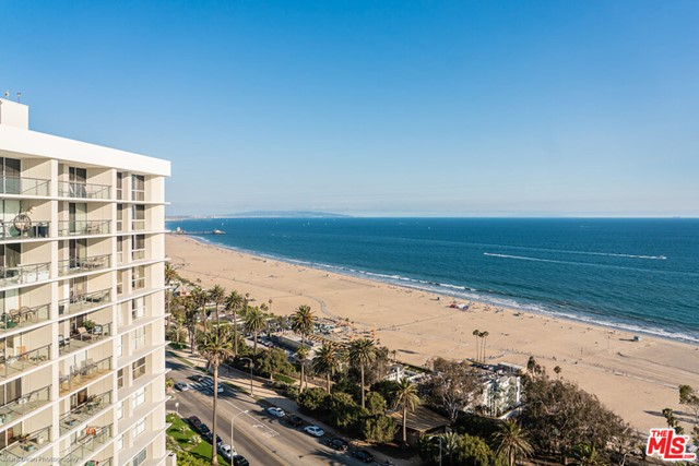 201 OCEAN Avenue, Santa Monica CA: http://media.crmls.org/mediaz/C07A9711-0DD0-4607-AEE3-F5B4B06ADF3D.jpg
