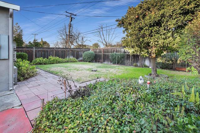2373 Augusta Place, Santa Clara CA: http://media.crmls.org/mediaz/C0A3DFB3-A5E9-4A5B-AF32-9D023A261AEA.jpg