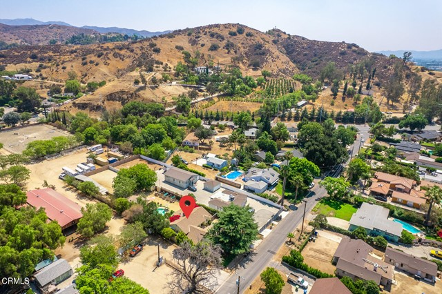 9716 Helen Avenue, Shadow Hills CA: http://media.crmls.org/mediaz/C16212FD-8649-498E-A042-2A71E4D62F34.jpg