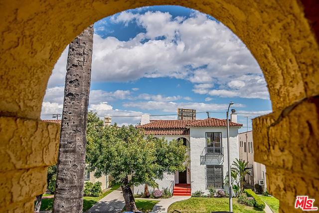 Condominium for Rent at 154 Detroit Street S Los Angeles, California 90036 United States