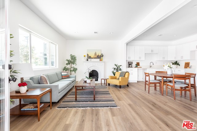 Ample living dining areas