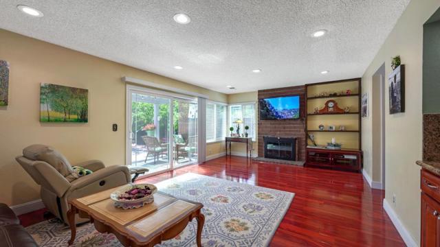 4974 Zeppelin Court, San Jose CA: http://media.crmls.org/mediaz/C236D497-4095-48DF-9206-9413E38154B4.jpg