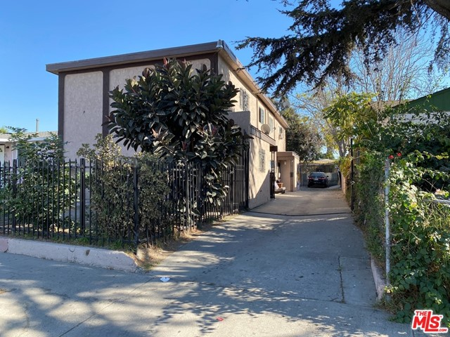 8308 Hooper Avenue  Los Angeles CA 90001