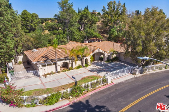 Photo of 4250 Louise Avenue, Encino, CA 91316