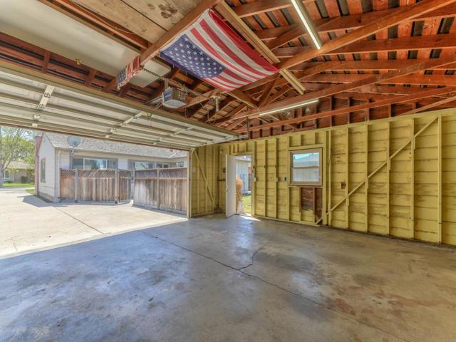 36 Wilgart Way, Salinas CA: http://media.crmls.org/mediaz/C29FDA45-38BD-4963-A1B0-D4BA6650988F.jpg