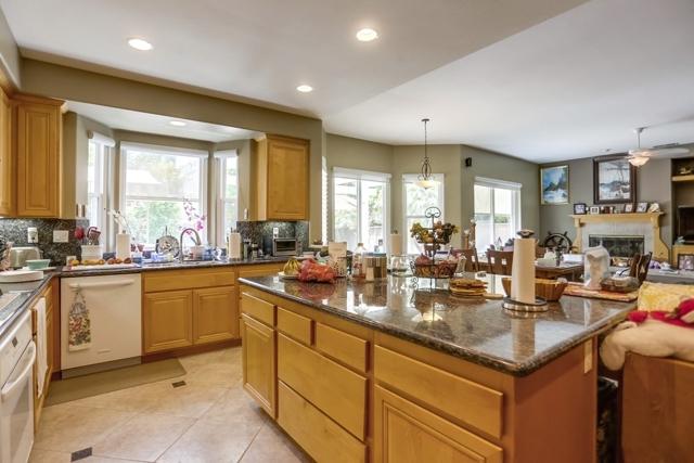1415 Buena Vista Way, Carlsbad CA: http://media.crmls.org/mediaz/C2D8EC81-80C6-4912-8F3A-EBA478F2C47B.jpg