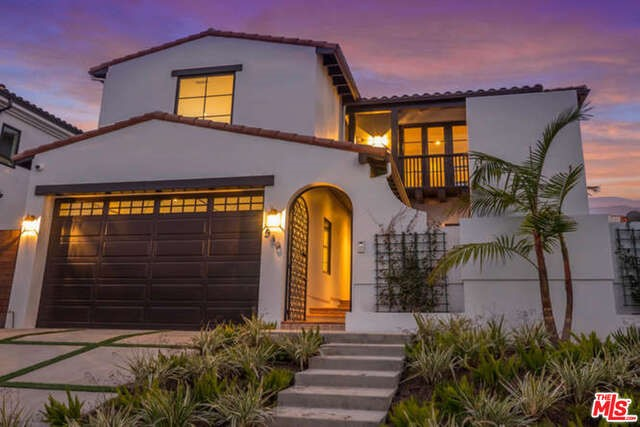 Single Family Home for Sale at 530 Alta Vista N Los Angeles, California 90036 United States