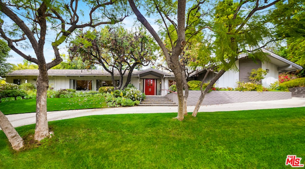 811 N Hillcrest Road #  Beverly Hills CA 90210