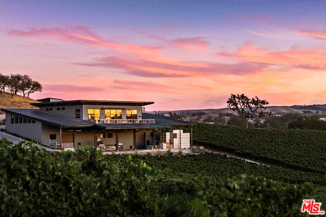 Single Family Home for Sale at 5685 El Pomar Drive Templeton, California 93465 United States