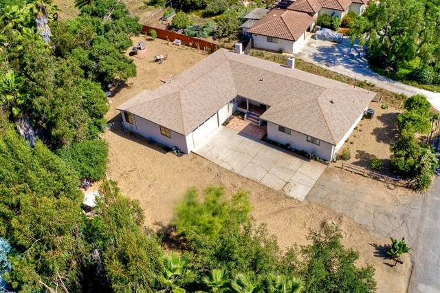1661 Foothill Dr