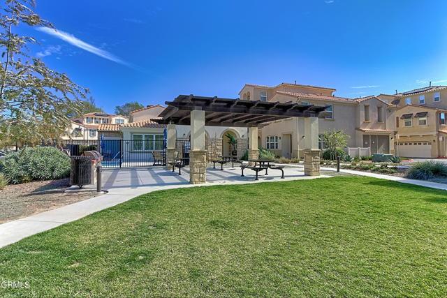 437 Castiano Street, Camarillo CA: http://media.crmls.org/mediaz/C3F17EEF-7807-437B-879D-F2E6D56EADE1.jpg