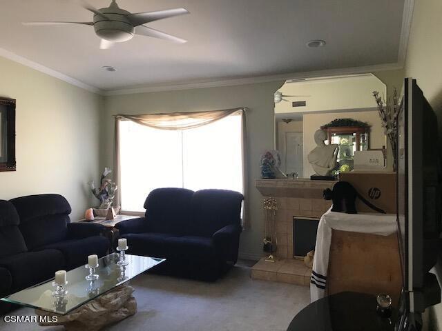 6405 Keystone Street, Simi Valley CA: http://media.crmls.org/mediaz/C3FDE5A4-B441-47DE-91AC-3B0BF43A4C59.jpg