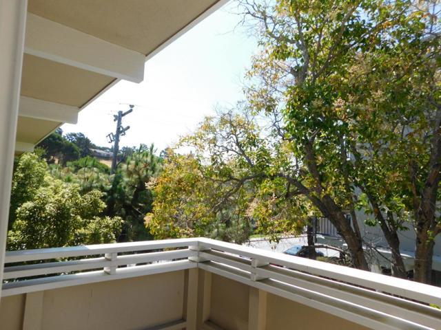 1301 Palos Verdes Drive, San Mateo CA: http://media.crmls.org/mediaz/C48D0426-20CC-4CE4-B260-FE461A5E13C9.jpg