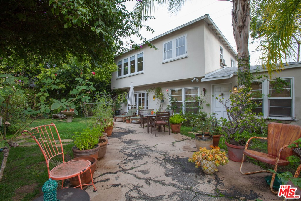 326 Huntley Drive #  West Hollywood CA 90048
