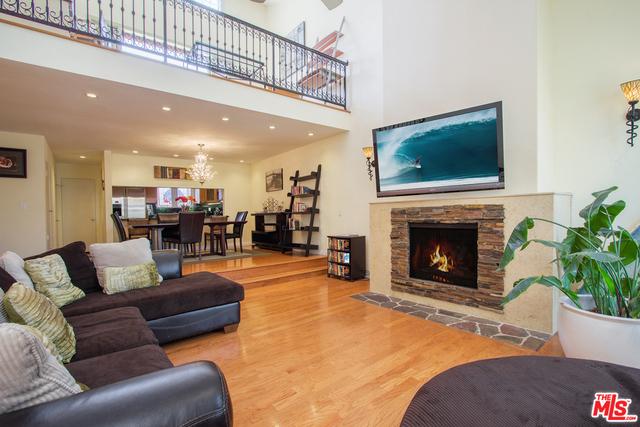 Condominium for Rent at 2108 Neilson Way Santa Monica, California 90405 United States