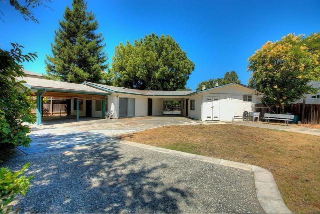 536 Hawthorn Avenue, Sunnyvale CA: http://media.crmls.org/mediaz/C57C8220-3511-4141-99CB-1AD19992FD1E.jpg