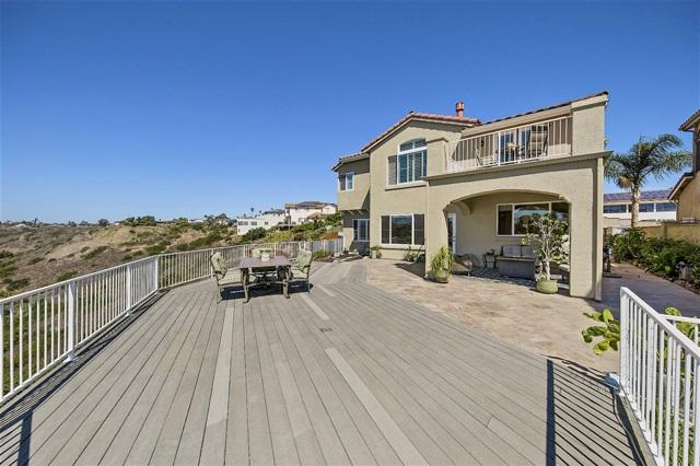 3720 Boone Ct, San Diego CA: http://media.crmls.org/mediaz/C57E844F-7550-4BFE-B783-4025EAD293CC.jpg