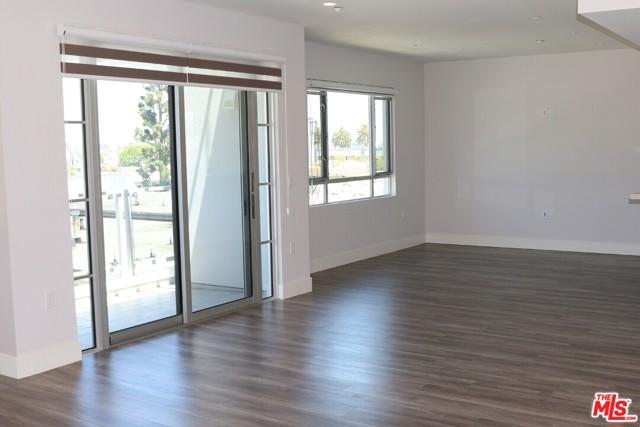 1326 S Centinela Avenue, Los Angeles CA: http://media.crmls.org/mediaz/C60794A1-44E5-46D9-972C-685FEF0D37A6.jpg