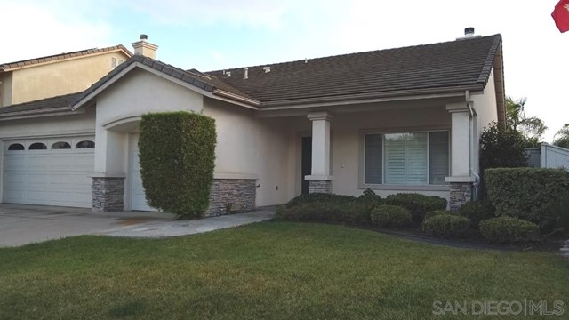 452 Lexington Cir, Oceanside CA: http://media.crmls.org/mediaz/C618820D-8BFC-4DB9-B787-9AB3FD1504F0.jpg