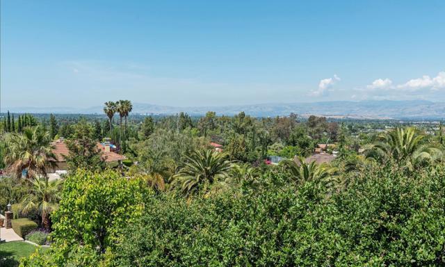 125 Alerche Drive, Los Gatos CA: http://media.crmls.org/mediaz/C652E79F-C6BA-4F3E-A4C4-431B198057EE.jpg
