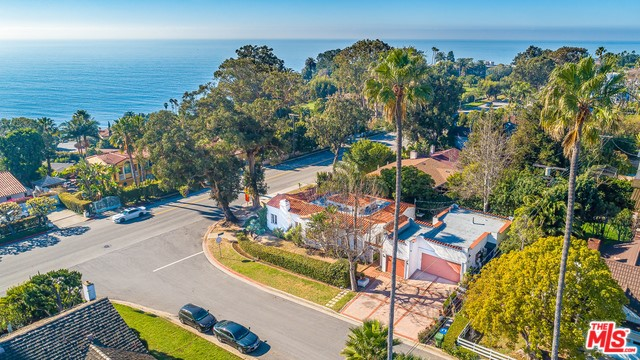 16901 W SUNSET, Pacific Palisades, CA 90272
