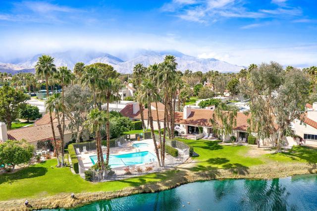 369 Wimbledon Drive, Rancho Mirage CA: http://media.crmls.org/mediaz/C69AB5D0-BCEB-4A87-8DCB-AD8782CAEAF6.jpg
