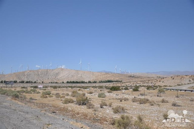 1 10 Hwy 62 Intersection, Palm Springs CA: http://media.crmls.org/mediaz/C6AEAEAE-D94E-474F-BC05-289DE9ED578E.jpg