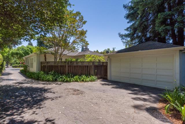 437439 Pope Street, Menlo Park CA: http://media.crmls.org/mediaz/C6D882B4-6D79-41B5-B63E-7B61A144449D.jpg