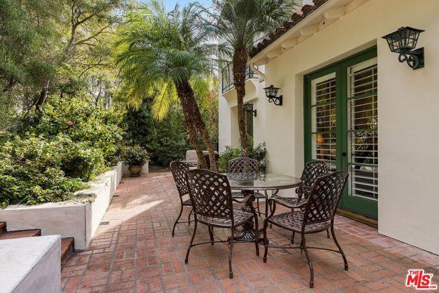 492 Monarch Lane, Santa Barbara CA: http://media.crmls.org/mediaz/C70D317F-1BCA-4AEA-9E02-F087F5CA321A.jpg