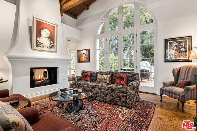 492 Monarch Lane, Santa Barbara CA: http://media.crmls.org/mediaz/C77965FE-D843-4E55-B2C8-77353EB8CCC9.jpg