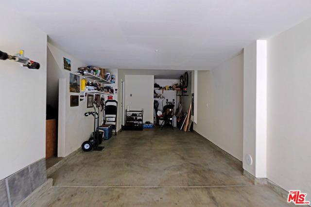 1530 W 1St Street, Santa Ana CA: http://media.crmls.org/mediaz/C78B79F5-017C-45AB-9A4F-D9FFDE818C9E.jpg