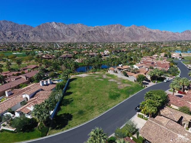 52940 Latrobe Lane, La Quinta CA: http://media.crmls.org/mediaz/C7B38244-F140-4D94-AF11-E3CD552FC5A2.jpg