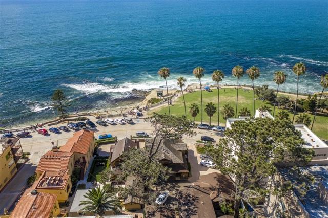 1021 Coast Blvd, La Jolla CA: http://media.crmls.org/mediaz/C7B38EB1-B26B-4724-B26B-BFB24B66F733.jpg
