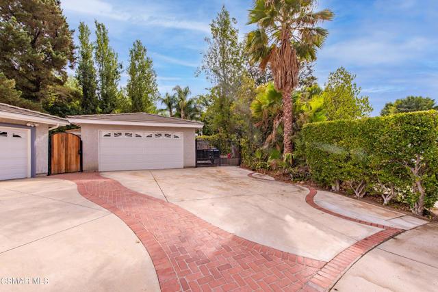 658 Bonwit Place, Simi Valley CA: http://media.crmls.org/mediaz/C7C2DF60-E0F9-4448-AAB7-1F88754BA43A.jpg