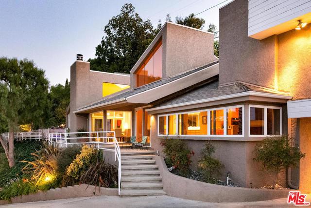 Photo of 4033 Weslin Avenue, Sherman Oaks, CA 91423