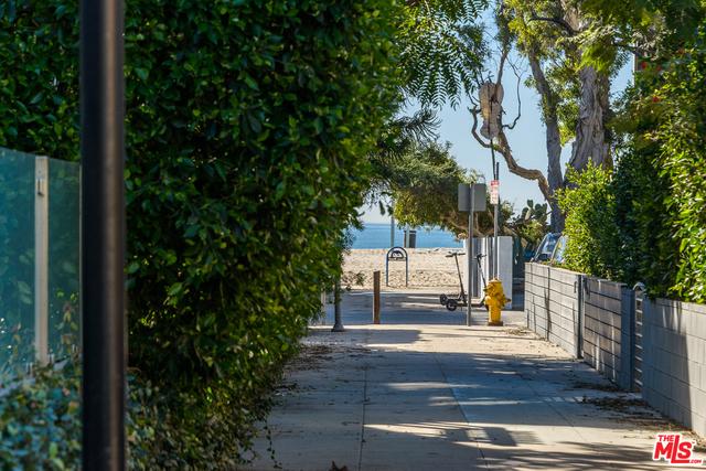 24 26TH Venice CA 90291