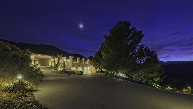 8585 Great House, Yucca Valley CA: http://media.crmls.org/mediaz/C7F4FD2A-1C1C-4963-B028-BC60EF8E391B.jpg