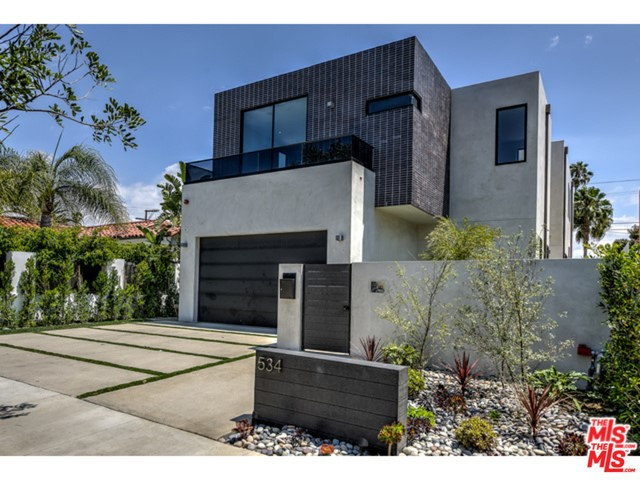 Single Family Home for Rent at 534 La Jolla Avenue N Los Angeles, California 90048 United States