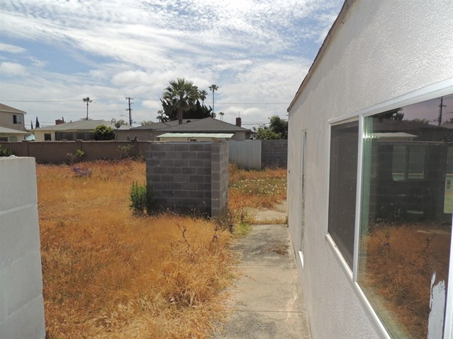 1500 Alvarado, Oceanside CA: http://media.crmls.org/mediaz/C8561955-B307-433D-8362-33026A090993.jpg