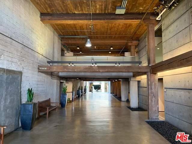 530 S HEWITT Street, Los Angeles CA: http://media.crmls.org/mediaz/C86E583F-9DB1-45C1-8AB2-D3FE974B2CAE.jpg