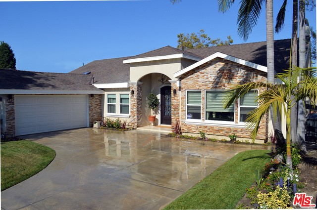 Single Family Home for Sale at 12112 Chianti Drive Los Alamitos, California 90720 United States