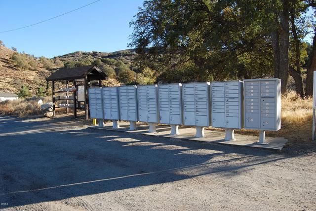 23181 Constance Way, Tehachapi CA: http://media.crmls.org/mediaz/C8D9B9F0-A0C1-4C1D-977F-530B86C2A8B3.jpg