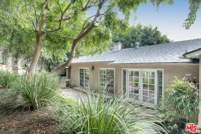 Photo of home for sale at 8712 SUNSET PLAZA Terrace, Los Angeles CA