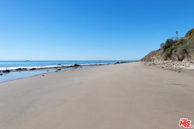 33800 Pacific Coast Highway, Malibu CA: http://media.crmls.org/mediaz/C95C3E17-A0F1-45E0-B412-4F75B7491331.jpg