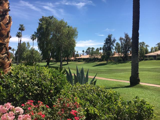 128 Castellana, Palm Desert CA: http://media.crmls.org/mediaz/C97B81BC-5410-4EF5-8C3F-71377318B842.jpg