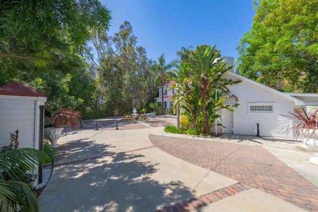 349 Renee Street, Orange CA: http://media.crmls.org/mediaz/C9866665-90FE-487C-8CEE-DF0079D270F9.jpg