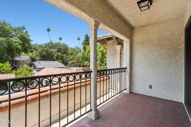 695 Lakewood Place, Pasadena CA: http://media.crmls.org/mediaz/C9A22AB5-723A-4292-9649-567E8BC69FC1.jpg