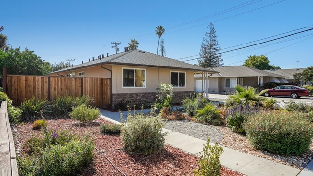 618 Cypress Avenue, San Jose CA: http://media.crmls.org/mediaz/CA257748-DF55-46CB-8711-F59A2C418C4F.jpg